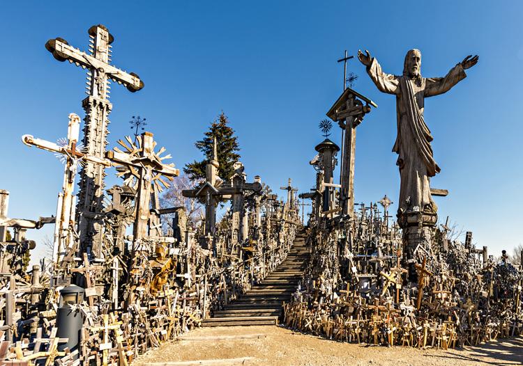 Colina de las Cruces en Lituania