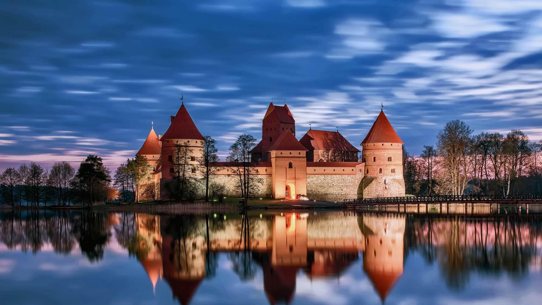 Castillo de Trakai al atardecer